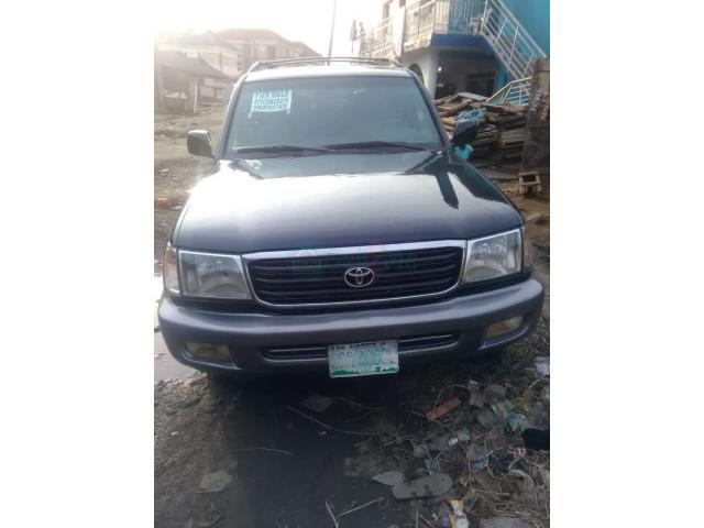 Registered 2002/2003 Toyota Land cruiser - 1/7
