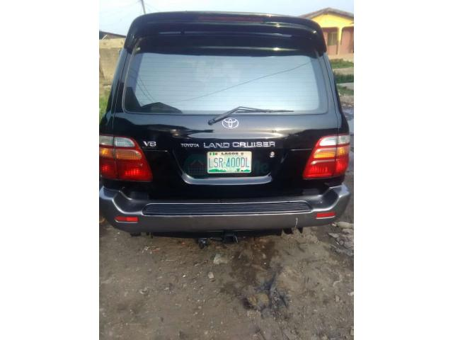 Registered 2002/2003 Toyota Land cruiser - 2/7