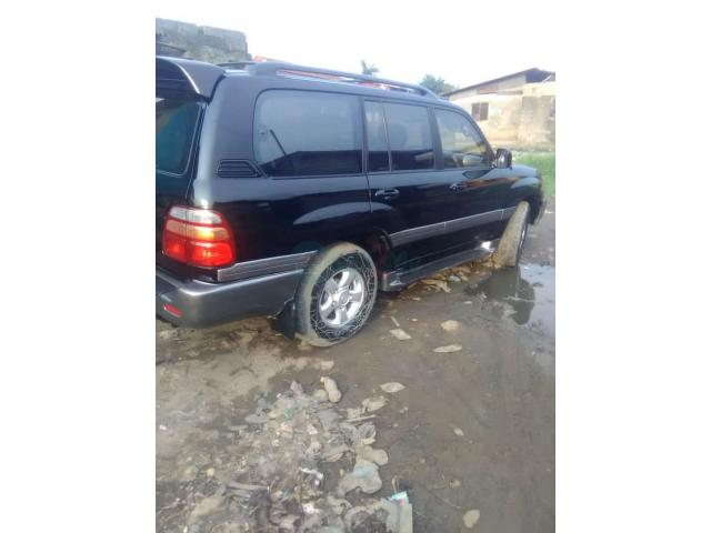Registered 2002/2003 Toyota Land cruiser - 4/7