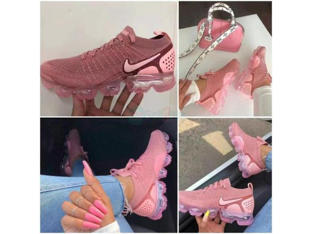 Flashy pink footie (foot wear) - 1/1