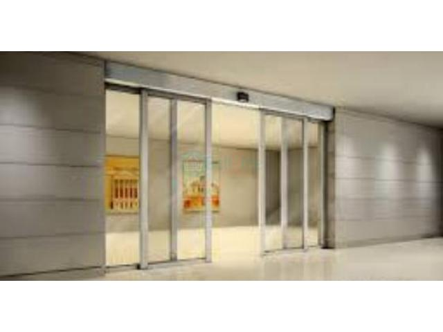 Automatic Aluminium Framed Sliding Glass Door BY HIPHEN SOLUTIONS - 1/1